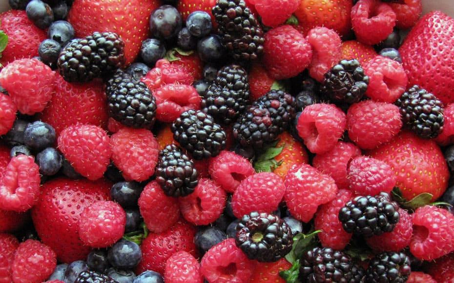 различные сорта ягодных плодов