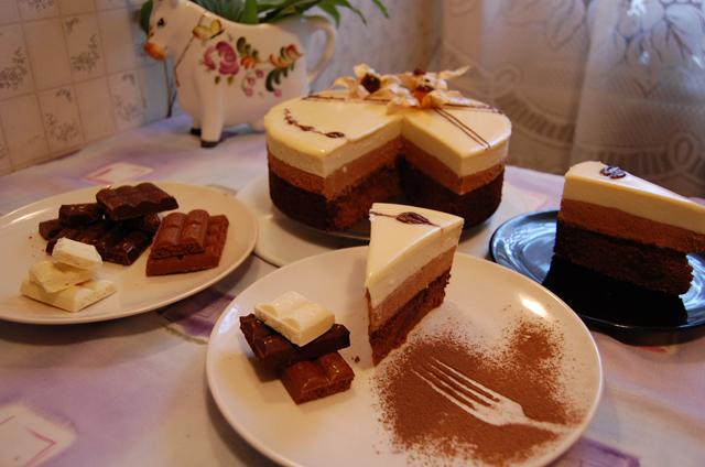 Торт можно легко достать.