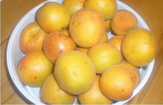 Плоды в данный рецепт желе нужно брать целые