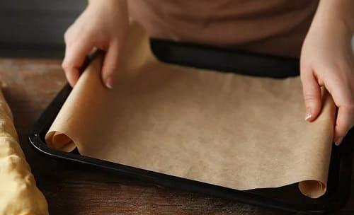 Чем можно заменить пергаментную бумагу для выпечки?