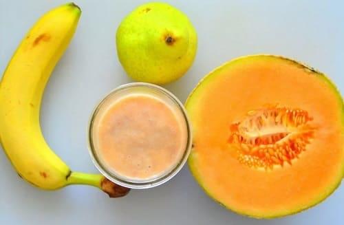 Смузи из дыни, бананов и сливы