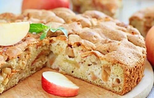 Рецепт яблочной шарлотки без разрыхлителя и соды