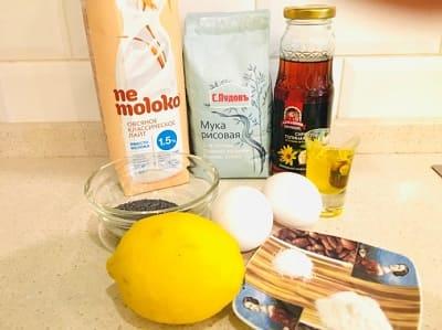Рисовые панкейки с маком и лимоном
