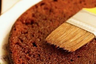 Чем пропитать шоколадный бисквит - 8 способов