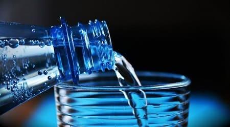 Сколько хранится вода: срок годности и условия хранения