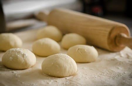 Тесто для пирожков – 12 рецептов приготовления с дрожжами