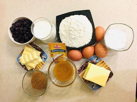 Торт «Кадриль» с медовыми коржами и ягодным кремом