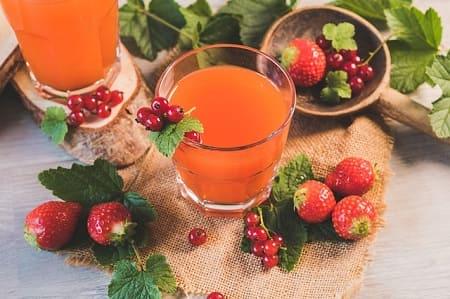 Клубничный лимонад - 7 рецептов в домашних условиях