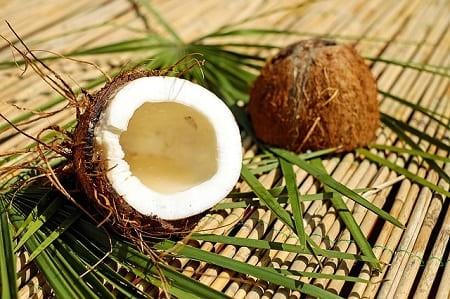 Как легко открыть кокос в домашних условиях