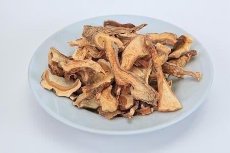 Как и сколько варить сушеные грибы